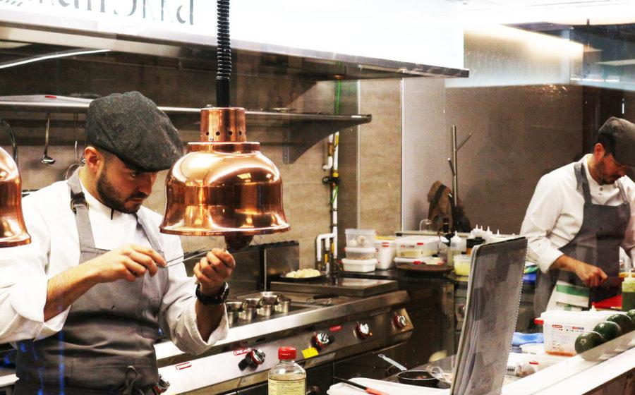 El restaurante KaliSkka se quiere comunicar con un blog